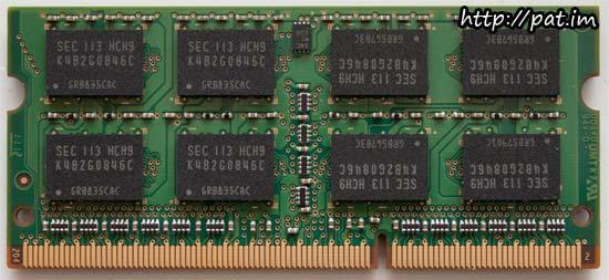 삼성 노트북용 DDR3 PC3-10600 뒷면