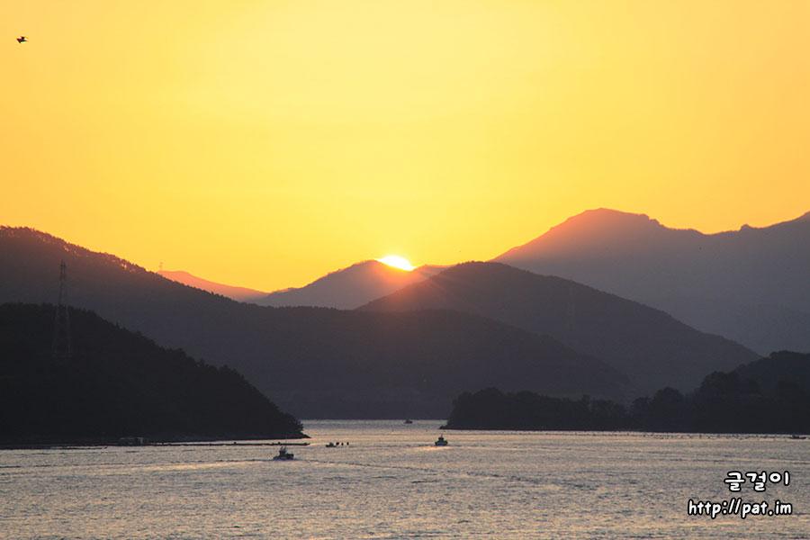 통영 해돋이 (거제도, 한산도, 화도 쪽 바닷가)
